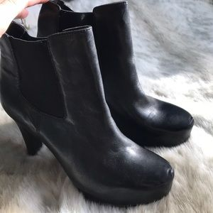 Shoes - BLACK LEATHER BOOTIES